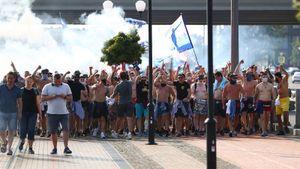 Фанаты «Зенита» устроили перформанс в поддержку команды перед стадионом «Ростова»: видео