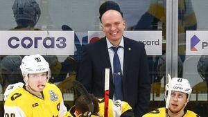 Самый харизматичный тренер КХЛ остался в Череповце. Вместо топ-клуба Разин выбрал власть и крутую молодежь