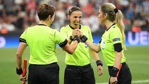 Матч Лиги Европы впервые обслужит женщина-арбитр. «Лестер» и «Зарю» рассудит Фраппар