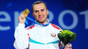 Чемпион Ванкувера Гришин продает олимпийские медали. Он хочет спасти жизнь близкому человеку