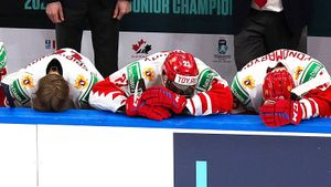 «Мы подставили своего тренера, он этого не заслуживает». Игроки сборной России взяли на себя вину за провальный МЧМ