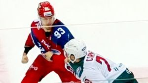 18-летний русский хоккеист уложил на лед 100-килограммового канадца