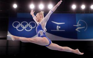 Женская сборная России по спортивной гимнастике взяла золото Олимпиады в Токио в командном многоборье