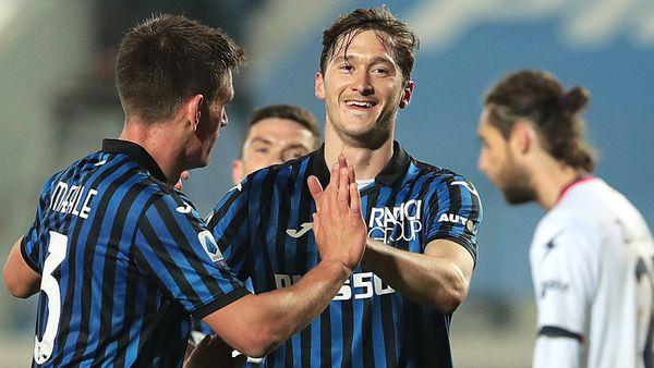 Миранчук забил шикарный гол в Серии А. Принял мяч и положил от штанги — красота!