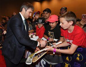 Овечкин претендует на детскую награду любимому хоккеисту