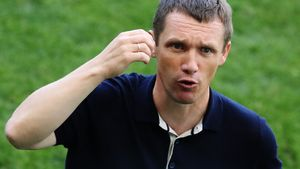 ЦСКА договорился об аренде Данило, «Спартак» хочет защитника «Наполи» Малькюи. Трансферы и слухи дня