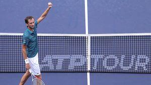 Даниил Медведев рвется в шестой финал подряд! В Китае ждут его новую битву с Джоковичем