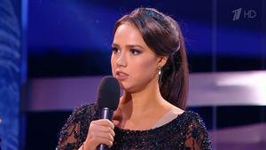 «Регина, пожалуйста, не плачьте!» Загитова поддержала расплакавшуюся Тодоренко: видео