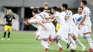 Греция при судействе Карасева обыграла Швецию, Испания одержала победу над Косово