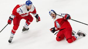 Эмоциональная реакция на победу над сборной России. Чехи высыпали на лед и сбили с ног вратаря: видео