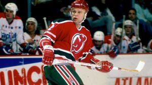 Великолепный гол советского хоккеиста Фетисова в США. Он заставил американцев сыграть в стиле сборной СССР: видео