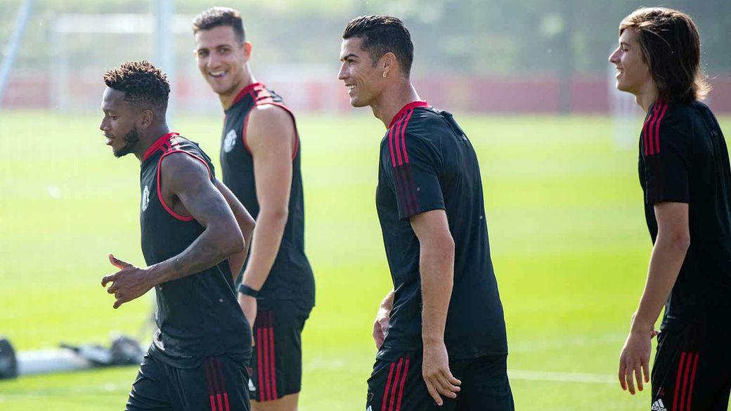 МЮ опубликовал фотографии первой тренировки Роналду после возвращения в клуб