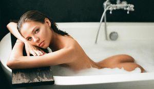 «С ума сойти!» Дочь Кафельникова подразнила фанатов откровенной фотографией в ванне
