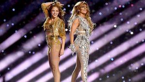 Дженнифер Лопес и Шакира представили откровенное шоу в перерыве Супербоула: видео