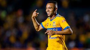 Клуб Рафаэла Кариоки зовет Дзагоева в Мексику. Что это вообще значит?