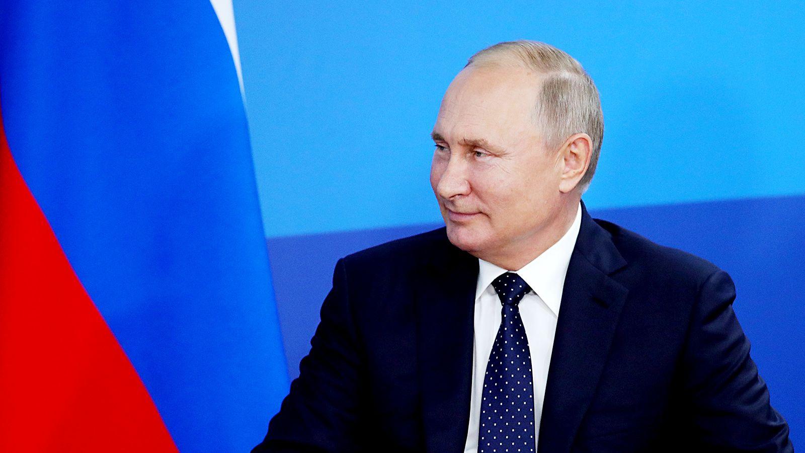 Боец UFC Салихов открыт кпредложению стать телохранителем В.Путина