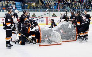 Как хоккеисты угорают после матчей. Боулинг ивойнушка прямо нальду откоманд российской «вышки»
