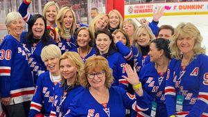 «Панарин, отдавай моему сыну шайбу!» Мамы хоккеистов отправились навыезд исмутили звезд НХЛ