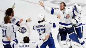 Бурные эмоции русских хоккеистов «Тампы» после завоевания Кубка Стэнли: видео