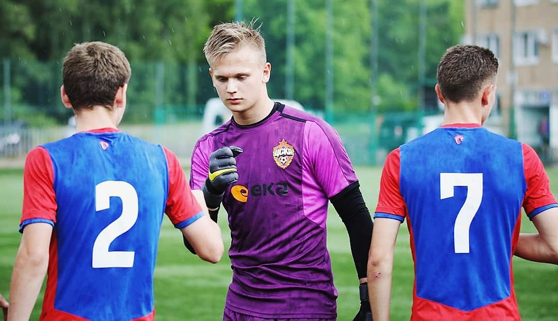 Суббота 00:0115-летний вратарь ЦСКА стал самым молодым футболистом РПЛ-2019/20. Онуже выше