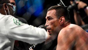 Экс-чемпион UFC Вердум проиграл Феррейре техническим нокаутом на турнире PFL 3
