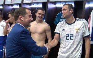 Что творилось в раздевалке сборной России после победы над Испанией. Это надо видеть!