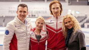 Тарасова и Морозов выиграли первый турнир под руководством Тутберидзе и побили рекорд. Она выводила их на лед в США