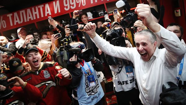 «Из невозможного сделали возможное — взяли Кубок Гагарина». Хартли и Волков — о чемпионском сезоне и трансферах