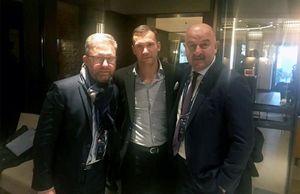 Тренеры сборных России, Украины иПольши сделали совместное фото перед жеребьевкой Лиги наций
