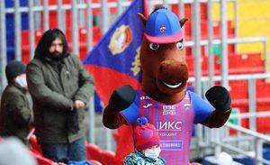 В ЦСКА показали, кто скрывается в костюме коня: «А вы знали, что наш маскот— девушка? Единственная в Европе»