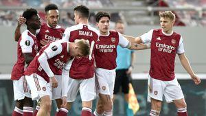 «Арсенал» в самой концовке матча вырвал победу у «Бенфики» и вышел в 1/8 Лиги Европы
