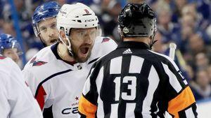 Как Овечкин и другие русские хоккеисты били судей: видео