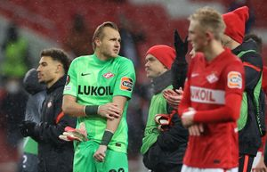 «Их вратарь почти заплакал, смотря на свою оборону». Что в Европе думают о «Спартаке» после проигрыша «Лестеру»