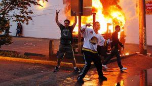 5 случаев жутких беспорядков после хоккейных матчей. Бомба для босса НХЛ, изуродованные машины, грабежи