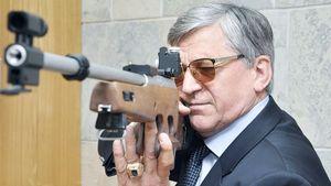 Тихонов: «А зачем мне оглядываться в Москве? Я хорошо владею оружием»