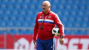 «Физрук — хорошая профессия». Черчесов ответил на обвинения ЦСКА и рассказал, зачем пошел на скандальное интервью