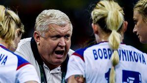 «Женщины постоянно томоются, тобреются, топостирушки». Огненное интервью легендарного тренера