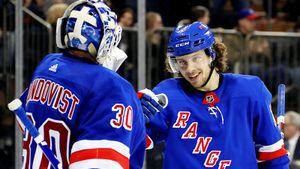 Банда Панарина чуть не облажалась в игре с самым безнадежным клубом НХЛ. Ее спас Король Хенрик