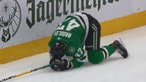 Русский хоккеист травмировал сам себя. Радулов хотел уложить на лед американца, но ударился головой в борт: видео