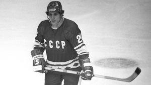 Знаменитый гол советского хоккеиста Макарова. Он играл через боль, но забросил золотую шайбу Канаде на ЧМ: видео