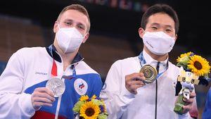 Фанаты в ярости из-за того, что у русского гимнаста украли золото. А что думает он сам?