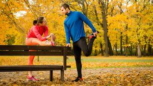 Как подготовиться к пробежке, чтобы ничего не травмировать. Простой комплекс растяжек
