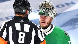 Русского вратаря пытались вывести из себя в плей-офф НХЛ? «Калгари» придрался к цвету изоленты на клюшке Худобина