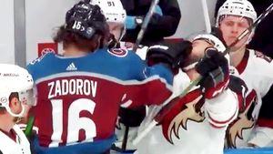 Поставил хулигана на место одним ударом. Русский хоккеист Задоров зарядил в лицо канадскому ветерану: видео