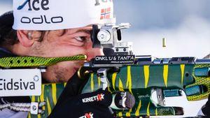 Норвежец Легрейд сенсационно выиграл первую гонку сезона в биатлоне, обойдя самого Йоханнеса Бе. Логинов — 10-й