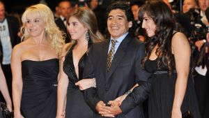 8 знаменитых романов Марадоны. Красивых девушек он любил не меньше футбола: фото