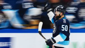«Сибирь» выносит одного гранда КХЛ за другим. На Хэллоуин команда-сенсация стала ужасом для ЦСКА