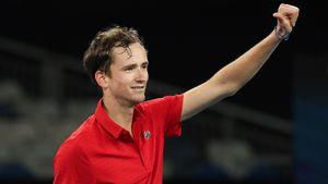 Победа Медведева над Нисикори вывела Россию в полуфинал ATP Cup