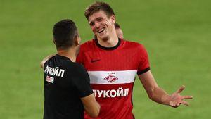 Игроки «Спартака» разыграли главврача клуба, устроив представление с «травмой» Соболева