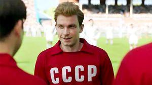 Актер Петров: «Раньше словосочетание «сборная России по футболу» звучало как шутка, сейчас отношение серьезнее»